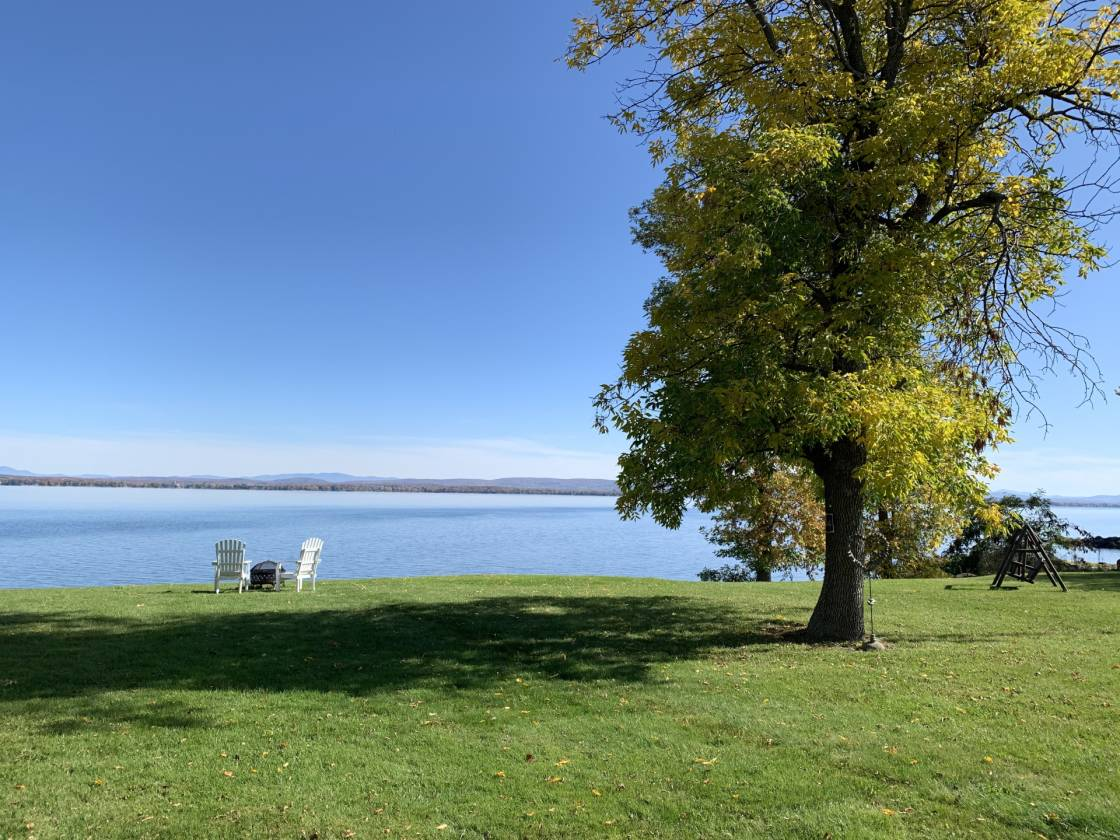 Lake Champlain Owned Beachfront Magnificent 4 Bedroom 3 Bath 4186 Sq Ft North Hero
